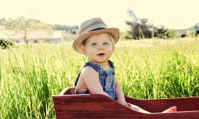 Cut Kid In Farm (click to view)