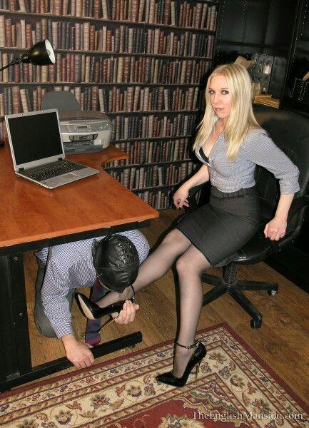 porno-prinuditelnoe-kuni-foto-telku-krasivimi-nogami
