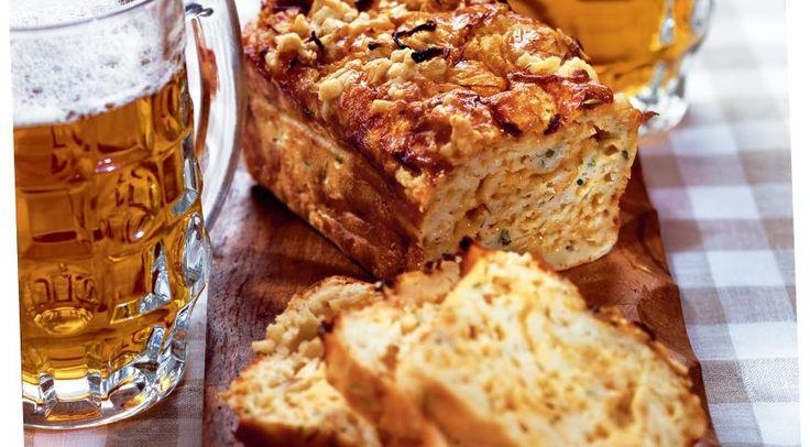Луковый кекс с сыром