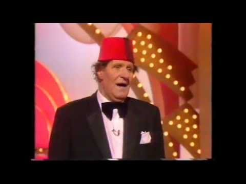 Tommy Cooper - The Main Attraction (TV programme) - YouTube