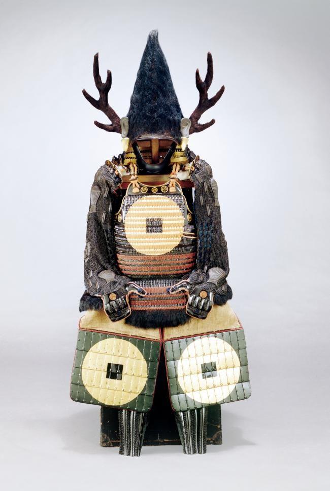 水野勝成 Mizuno Katsunari (1564 - 1651). 水野勝成所用 永楽銭紋入黒熊毛入二枚胴具足(福山・賢忠寺蔵) 島原の乱の際に勝成が着用した云われを持つ。