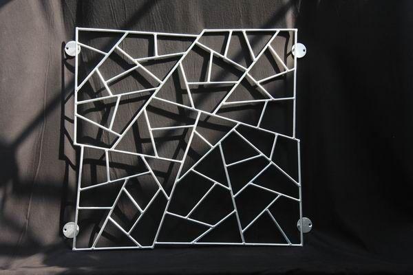 Fenstergitter in Schmitzstruktur aus feuerverzinktem Stahl, Preis per qm