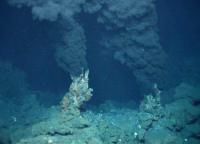 Самый глубокий желоб в мире - Марианская впадина Источник: http://set-travel.com/usa/item/722-samyj-glubokij-zhelob-v-mire-marianskaya-vpadina