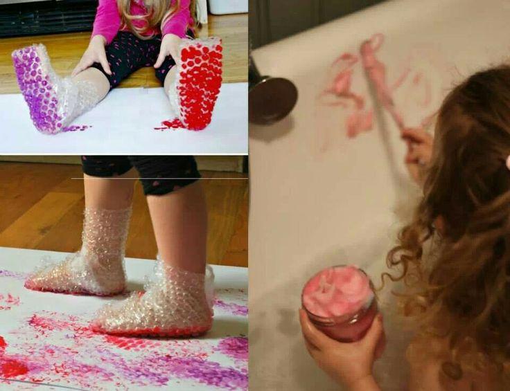 Arte sensorial, huellas con bolsas y pintura con crema de afeitar