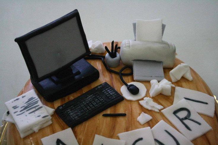 #computer #pc #torta della pasticceria La Mimosa di http://www.simocakedesigner.it