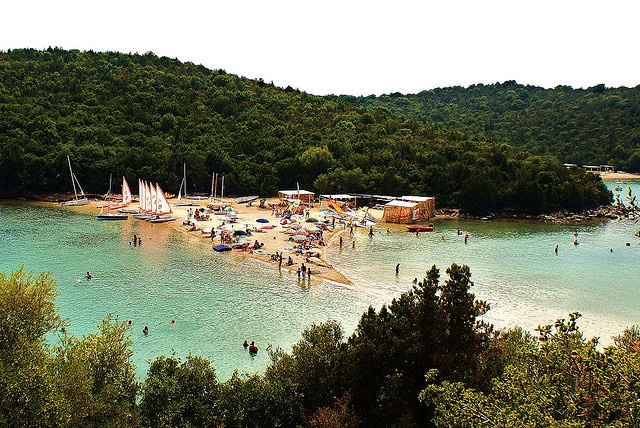 Bella Vraka,Syvota,Greece Have you ever seen a triangular beach?