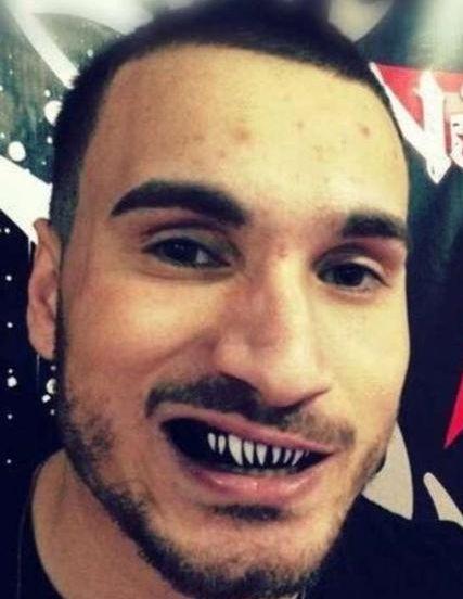 † Joao Carvalho (28) 12-04-2016  De Portugese MMA-vechter Joao Carvalho is overleden na een gevecht in het Ierse Dublin. De 28-jarige Carvalho werd naar het ziekenhuis afgevoerd nadat hij was verslagen door Charlie Ward.