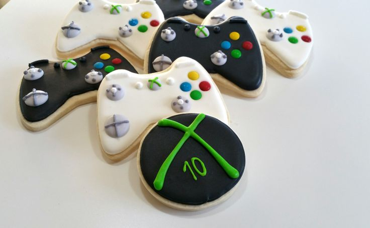 Xbox cookies, royal icing sugar cookies, baby boy birthday party, Xbox part,Xbox controller,halo by KessaCakes on Etsy https://www.etsy.com/listing/253040449/xbox-cookies-royal-icing-sugar-cookies