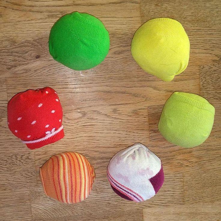 Bastelideen/Kurz Anleitung: Jonglierbälle selber machen: Bean-Bags aus Socken und Kritharáki -- Bild 2