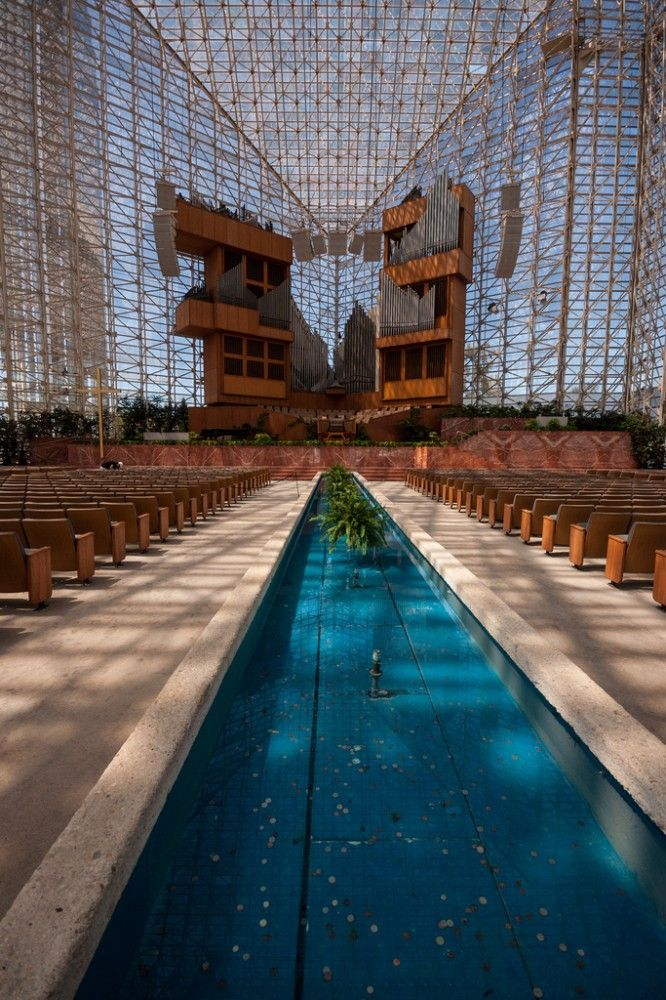 Crystal Cathedral - Garden Grove, CA, USA / 1980 / Philip Johnson & John Burgee