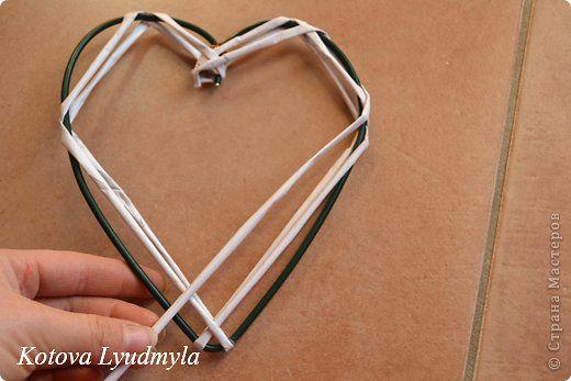 Мастер-класс Поделка изделие Новый год Аппликация Плетение Плетенные сердечки из бумажных трубочек Бумага Клей Краска Ленты Фетр фото 19