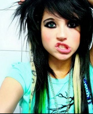 Permanent Link to : Emo girls hairstyle with bangs gallery 8
