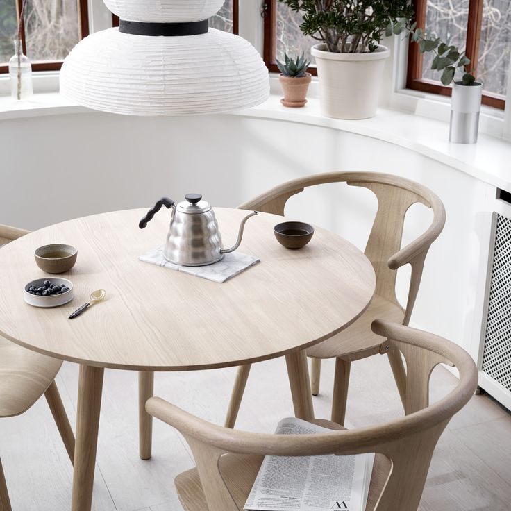 In Between Chair SK1 and In Between Table SK4 in white oiled oak by Sami Kallio for &tradition styled with Formakami pendant JH3.
