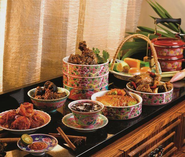 Authentic Peranakan Buffet Singapore Food Informationen Auf Unserer Site Https Storelatina Com Singapore Travelling ስ Food Peranakan Food Singapore Food