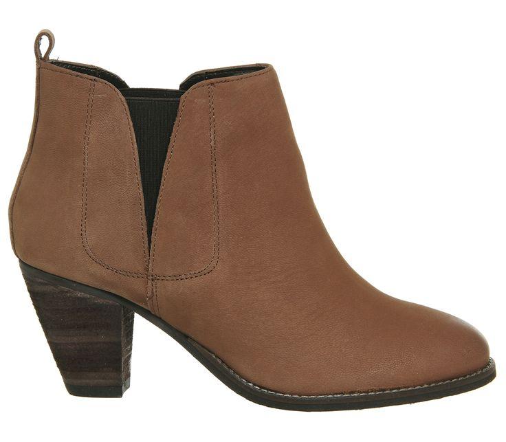 Lassie Mid Heel Chelsea Boots