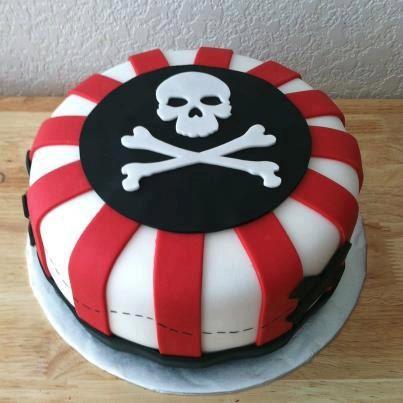1 Pirate Skull Cake Topper by CreativeFondants on Etsy, $12.00