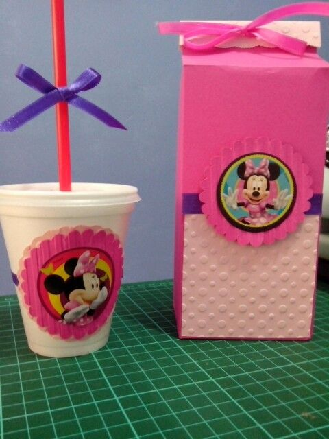 Decoración de minnie Caja de regalo y vaso decorado