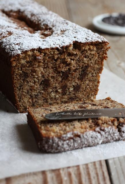 cake rustico per riciclare le  banana: senza glutine, senza burro, senza olio