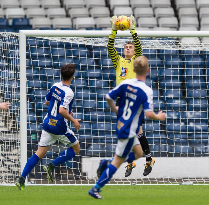 Queen's Park's Wullie Muir in action during the SPFL League One game between Queen's Park and Stranraer.