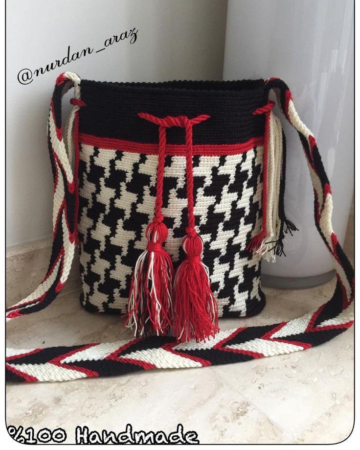 Oval tabanlı wayuu ...küçük çanta sevenlere ..#wayuu #wayuubag #wayuuçanta #elişi #tığişi #handmade #elemeği