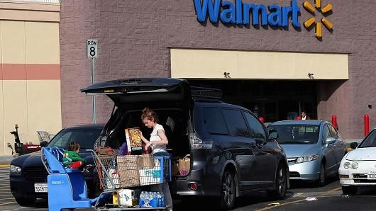 Wal-Mart to allow shoppers on food stamps to order groceries online