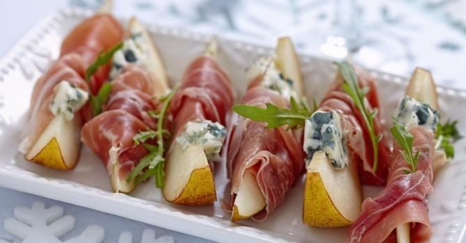 Recette de Bouchées de poire au roquefort et au prosciutto à moins de 200 calories. Facile et rapide à réaliser, goûteuse et diététique.