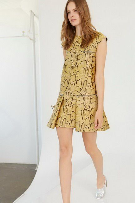 The bon ton style becomes ironic game in Stella McCartney Resort 2014 Collection
