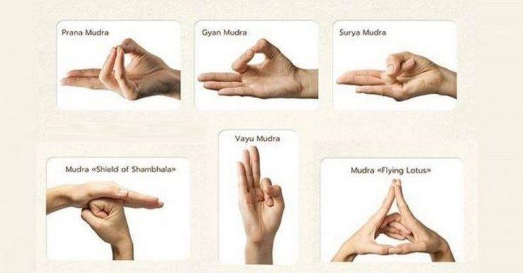 Léčit dokáží nejen jógové cviky, ale i jednoduché ruční znaky, které řídí energii v těle. Více se o nich dozvíte v článku.