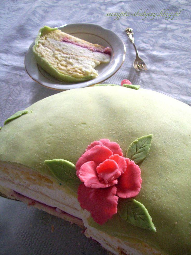 Masa marcepanowa – idealna do dekorowania tortów PRZEPIS