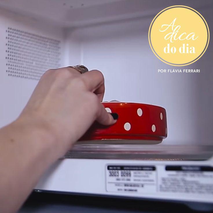 Sabia que o centro do prato é o lugar onde o micro-ondas aquece menos? Não?!? Então você precisa conferir nossas 10 dicas para usar o micro-ondas da melhor forma possível. #aDicadoDia
