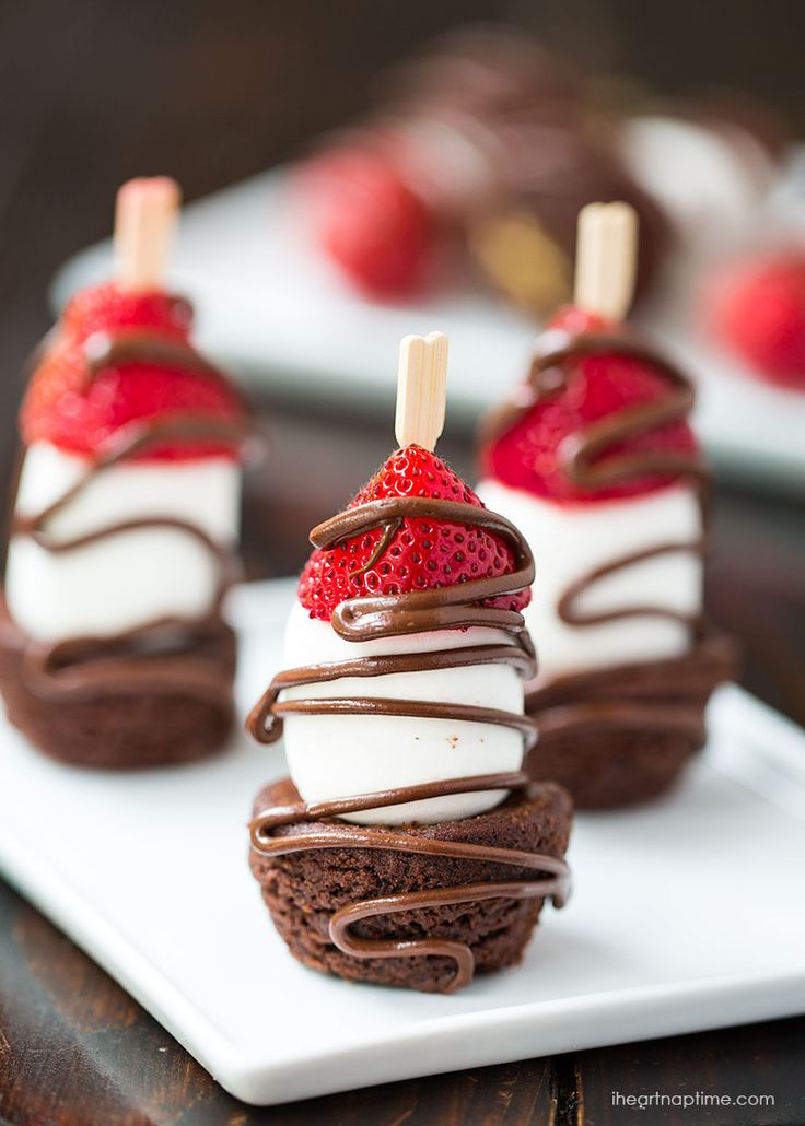 Chocolate strawberry dessert kabobs. Easy dessert idea!