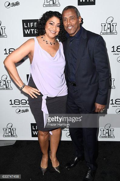 News Photo : Former NFL player Tony Dorsett and Janet Dorsett...