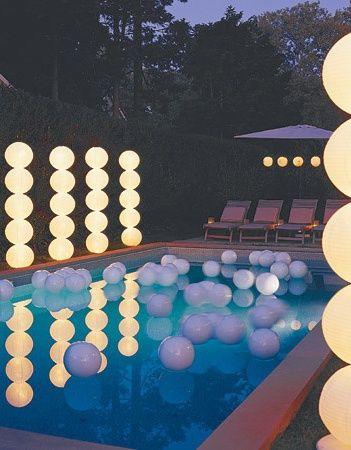Stylische Pool-Dekoration