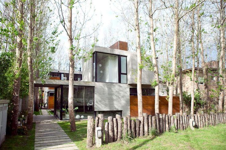 BAK Arquitectos Design a Private Home in Las Gaviotas, Argentina