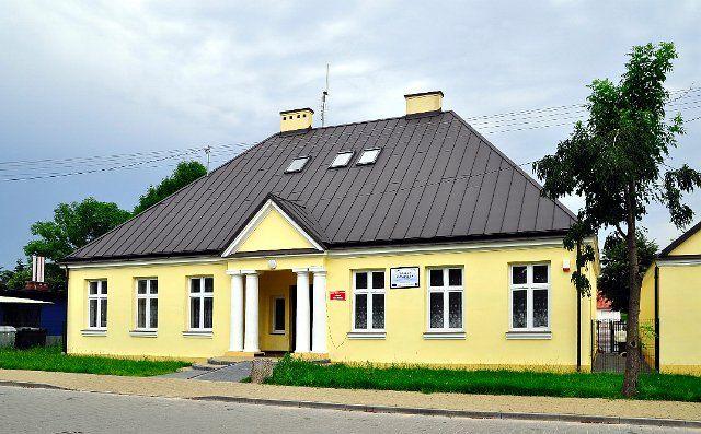 Stara szkoła w Wilkowyjach. Obecnie Filia Biblioteki Publicznej w Jeruzalu, fot. Justyna Wojciechowska