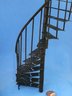 Minhas Minis - My Minis: Escada em espiral - Spiral iron stairs