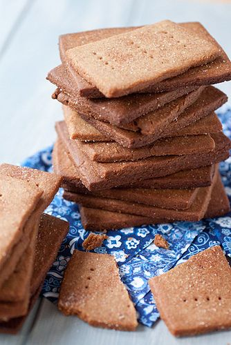 DIY cinnamon graham crackers by Smells Like Home, via Flickr