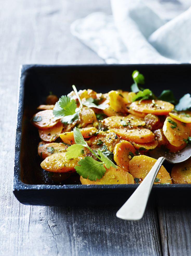 Anderledes og super lækker måde at tilberede gulerødder på. Servér for eksempel til et stykke ovnbagt laks.