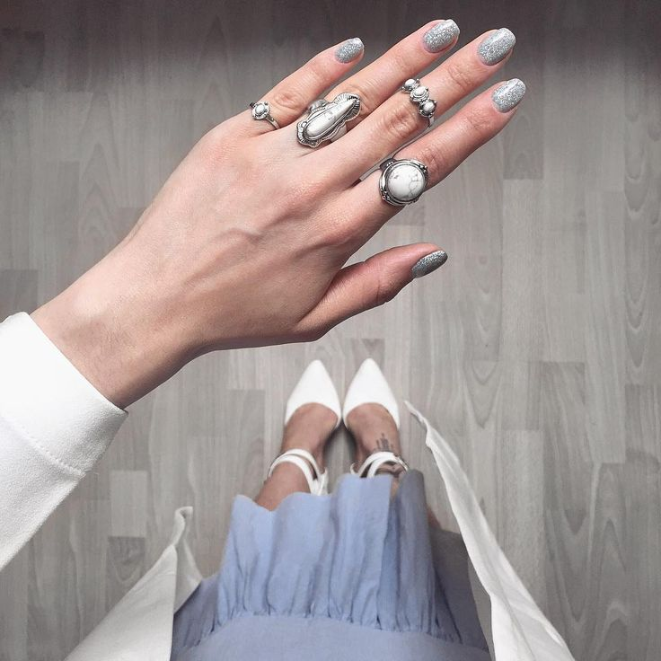 Instagram: @tanyaewwel  Hologram nails from where I stand flatlay nails rings glitter nails ruffle dress high heels white shoes