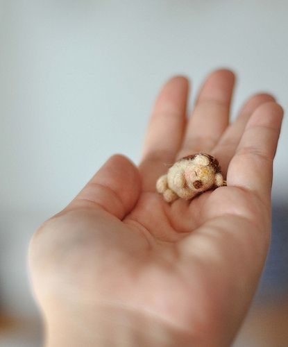 AAAH! Tiny felt...porcupine? Hedgehog? Doesn't even matter because it's the cutest thing ever.