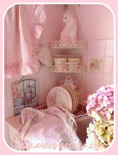 shabby pink kitchen country and shabby chic decor. Black Bedroom Furniture Sets. Home Design Ideas