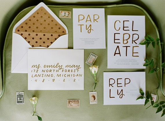Sparkly gold wedding ideas | Photo by Emily Jane Photography |