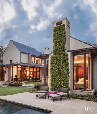 Here, a #modern courtyard-style #Dallas home's rear #courtyard. See more at www.luxesource.com. #luxe #luxemag #luxury #design #interiordesign #interiors #home #house #dwelling #residential #decor #homedecor #interiordecorating #interiordesignideas #architecture