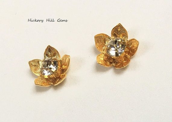 Magnetic Earrings Gold Flower Magnetic studs by HickoryHillGems