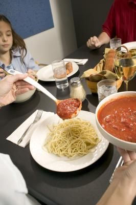 How to Throw a Spaghetti Dinner Fundraiser: Tomatoes Sauces, Maine Dishes, Kitchens Inspiration, Kitchens Ideas, Pto Ideas, Fundrai Ideas, Spaghetti Dinner Fundrai, Sauces Substitute, Spaghetti Sauces