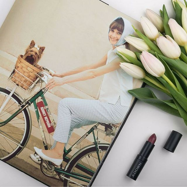 Our Style Icon Lipsticks are flying out the door!😍💄 Long wearing…