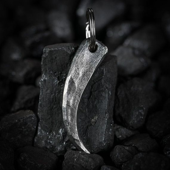 Hand-forged iron talon keychain - gift for him - blacksmith made wrought iron keychain forged by hand, iron gift - wrought iron calw pendant