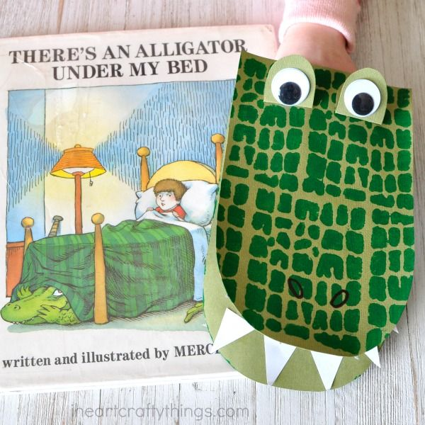 Awesome DIY Alligator Puppets | I Heart Crafty Things