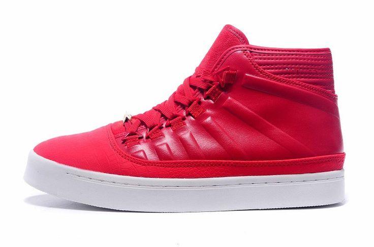 CONCEPTION MINIMALE, ÉTIQUETTAGE MAXIMUM La chaussure Jordan Westbrook 0 pour homme est la première chaussure de marque de Russell Westbrook, avec un design élégant et minimaliste en cuir de qualité supérieure pour un style hors-cour sans effort. AVANTAGES Cuir de qualité supérieure avec motif repti