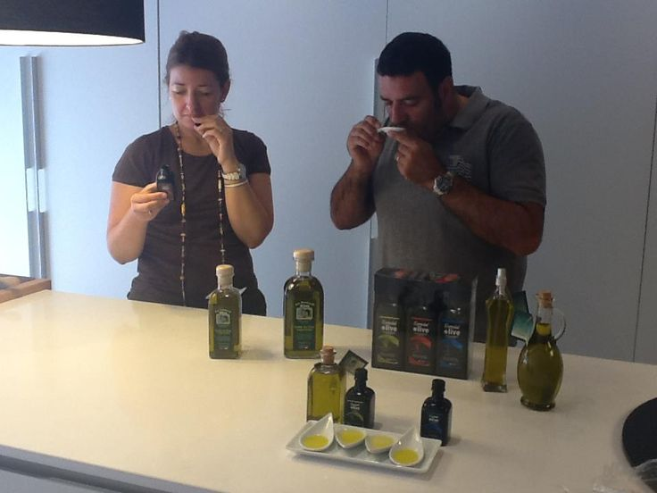 A young couple from Madrid, during our Initiation course to Olive oil Tasting